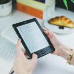 Kindleと紙の本 どっちが良いのか討論